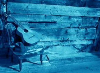 guitar-blues-blue-460x305