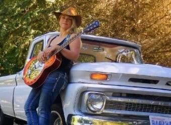 Stacy-Jones-Bnad-Featured-rev